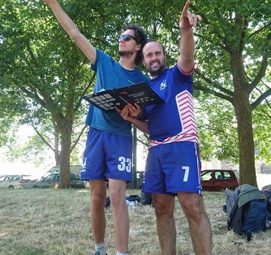 Romain (à gauche) et Denis à un entrainement de l'Équipe de France, à côté du château de VIncennes à Paris